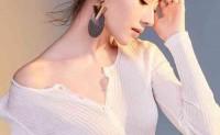 离婚后的董洁穿衣搭配越来越美董洁精神和衣品都在不断提升