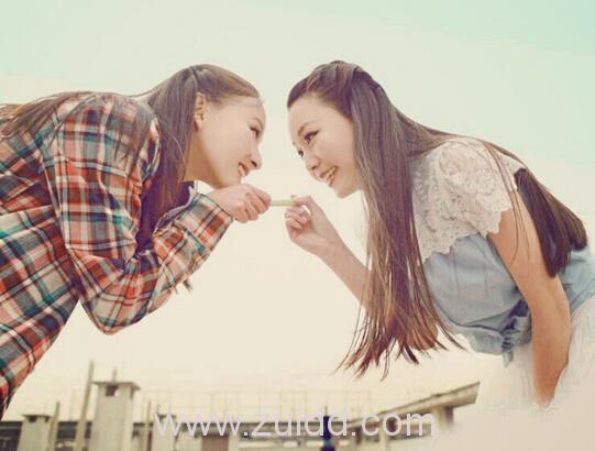 女人闺蜜之间的友谊是和嫉妒与被嫉妒一起成长